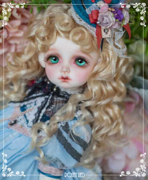 The One : Holiday's Child ZeZe - For I.doll West Vol. 26